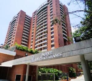 Apartamento En Ventaen Caracas, Colinas De Los Chaguaramos, Venezuela, VE RAH: 19-9385