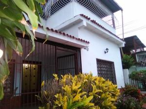 Casa En Ventaen Maracay, San Ignacio, Venezuela, VE RAH: 19-9410