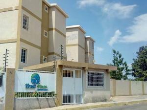 Apartamento En Ventaen Maracaibo, Circunvalacion Dos, Venezuela, VE RAH: 19-9429