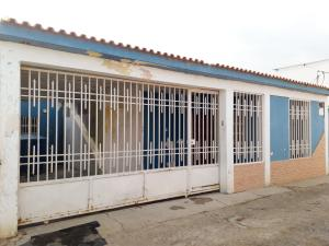 Casa En Ventaen Coro, Barrio San Jose, Venezuela, VE RAH: 19-9475