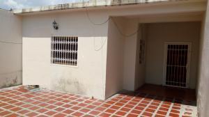 Casa En Ventaen Cagua, Carretera Nacional, Venezuela, VE RAH: 19-9516