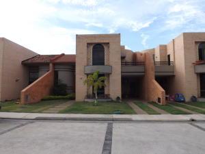 Townhouse En Ventaen Valencia, Las Clavellinas, Venezuela, VE RAH: 19-9641