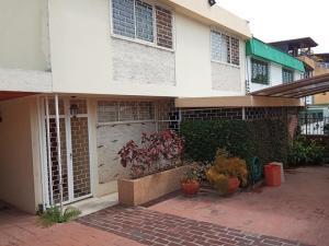 Casa En Ventaen Caracas, Colinas De Bello Monte, Venezuela, VE RAH: 19-9672