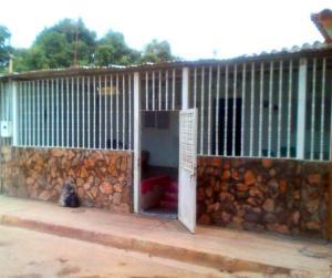 Casa En Ventaen Barquisimeto, Parroquia El Cuji, Venezuela, VE RAH: 19-9597