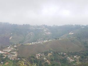 Casa En Ventaen San Antonio De Los Altos, Club De Campo, Venezuela, VE RAH: 19-9663