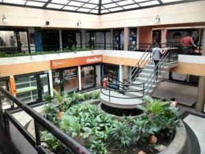 Local Comercial En Alquileren Maracay, Avenida 19 De Abril, Venezuela, VE RAH: 19-9682