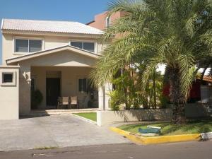 Casa En Ventaen Lecheria, Casa Botes B, Venezuela, VE RAH: 19-9718