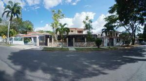 Casa En Ventaen Valencia, Trigal Centro, Venezuela, VE RAH: 19-9735
