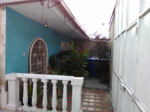 Casa En Ventaen Maracay, Santa Rita, Venezuela, VE RAH: 19-9778