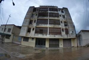 Apartamento En Ventaen Valencia, San Blas, Venezuela, VE RAH: 19-16286