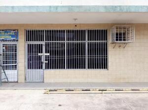 Local Comercial En Alquileren Ciudad Ojeda, Calle Merida, Venezuela, VE RAH: 19-9879