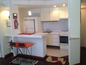 Apartamento En Alquileren Maracaibo, Avenida Bella Vista, Venezuela, VE RAH: 19-9925