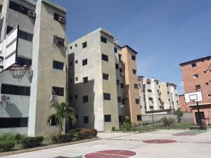 Apartamento En Ventaen Municipio Los Guayos, Paraparal, Venezuela, VE RAH: 19-9978