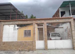Casa En Ventaen Turmero, El Macaro, Venezuela, VE RAH: 19-9941
