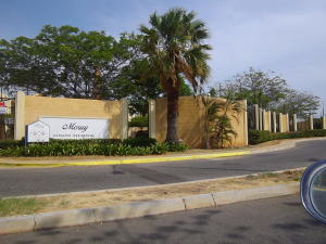 Townhouse En Ventaen Maracaibo, Avenida Milagro Norte, Venezuela, VE RAH: 19-10007