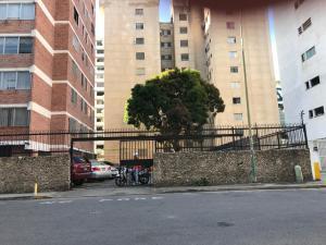 Apartamento En Ventaen Caracas, Los Palos Grandes, Venezuela, VE RAH: 19-10068