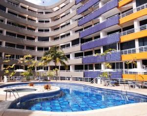 Apartamento En Ventaen Higuerote, Puerto Encantado, Venezuela, VE RAH: 19-10085