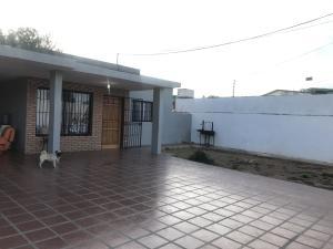 Casa En Ventaen Punto Fijo, Santa Fe, Venezuela, VE RAH: 19-10106