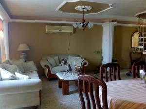 Apartamento En Ventaen Maracaibo, Sabaneta, Venezuela, VE RAH: 19-10123