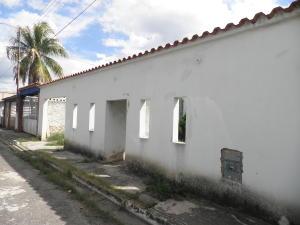 Casa En Ventaen Municipio Los Guayos, Paraparal, Venezuela, VE RAH: 19-10258