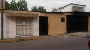 Casa En Ventaen Maracay, La Cooperativa, Venezuela, VE RAH: 19-10203