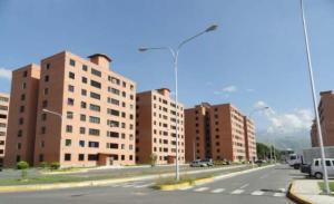 Apartamento En Ventaen Maracay, Avenida Constitucion, Venezuela, VE RAH: 19-10344