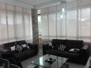 Apartamento En Alquileren Caracas, Valle Abajo, Venezuela, VE RAH: 19-10234