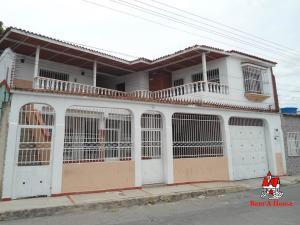 Casa En Ventaen Maracay, San Carlos, Venezuela, VE RAH: 19-10271