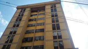 Apartamento En Ventaen Los Teques, Los Teques, Venezuela, VE RAH: 19-10338