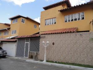 Townhouse En Ventaen Caracas, La Lagunita Country Club, Venezuela, VE RAH: 19-10400