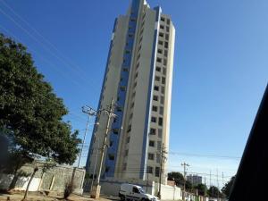 Apartamento En Ventaen Maracaibo, Avenida Universidad, Venezuela, VE RAH: 19-10361