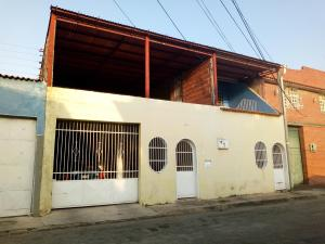 Casa En Ventaen Maracay, La Maracaya, Venezuela, VE RAH: 19-10488