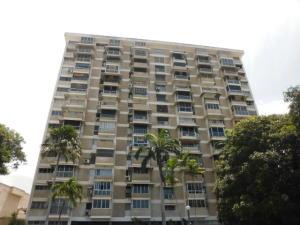 Apartamento En Ventaen Parroquia Caraballeda, Los Corales, Venezuela, VE RAH: 19-10599