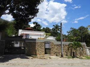 Casa En Ventaen Parroquia Caraballeda, Los Corales, Venezuela, VE RAH: 19-10735