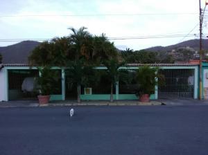 Casa En Ventaen Guanta, Parque Guaraguao, Venezuela, VE RAH: 19-10738