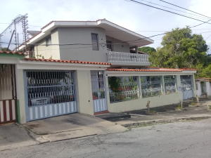 Casa En Ventaen Barquisimeto, Colinas De Santa Rosa, Venezuela, VE RAH: 19-10796