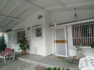 Casa En Ventaen Valencia, Trigal Sur, Venezuela, VE RAH: 19-1709