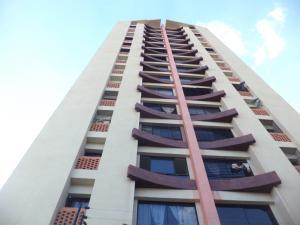 Apartamento En Ventaen Valencia, Los Mangos, Venezuela, VE RAH: 19-10774