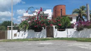 Casa En Ventaen Higuerote, Puerto Encantado, Venezuela, VE RAH: 19-11035