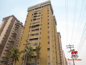 Apartamento En Ventaen Maracay, Urbanizacion El Centro, Venezuela, VE RAH: 19-10828