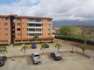 Apartamento En Ventaen Guatire, Sector San Pedro, Venezuela, VE RAH: 19-10996