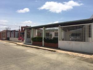 Casa En Ventaen Punto Fijo, Caja De Agua, Venezuela, VE RAH: 19-11394