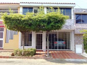 Townhouse En Ventaen Maracaibo, Circunvalacion Dos, Venezuela, VE RAH: 19-11117
