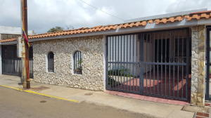 Townhouse En Ventaen Maracaibo, La Trinidad, Venezuela, VE RAH: 19-11151