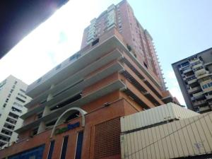 Apartamento En Ventaen Caracas, Parroquia La Candelaria, Venezuela, VE RAH: 19-11154