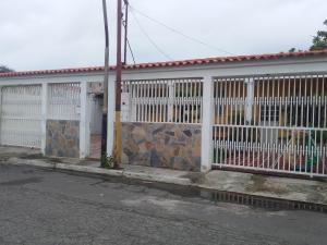 Casa En Ventaen Guacara, Ciudad Alianza, Venezuela, VE RAH: 19-11361