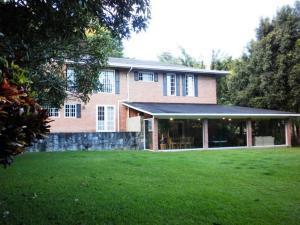Casa En Ventaen Caracas, La Lagunita Country Club, Venezuela, VE RAH: 19-11194