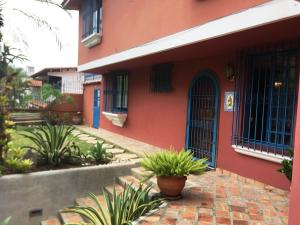 Casa En Ventaen Caracas, Santa Paula, Venezuela, VE RAH: 19-11202