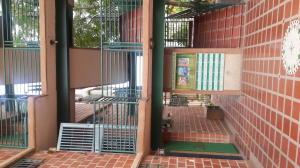 Apartamento En Ventaen Guarenas, Nueva Casarapa, Venezuela, VE RAH: 19-11218