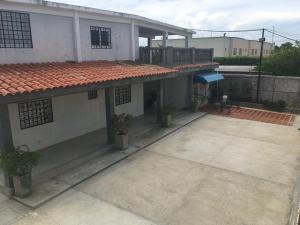 Casa En Alquileren Ciudad Ojeda, La 'l', Venezuela, VE RAH: 19-11217